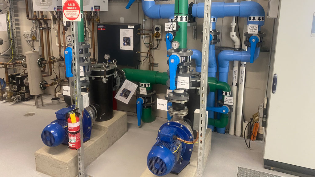 commercial pool pumps in pool plant rool